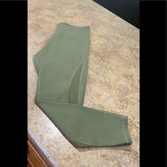 Old Navy Other - Active compression leggings